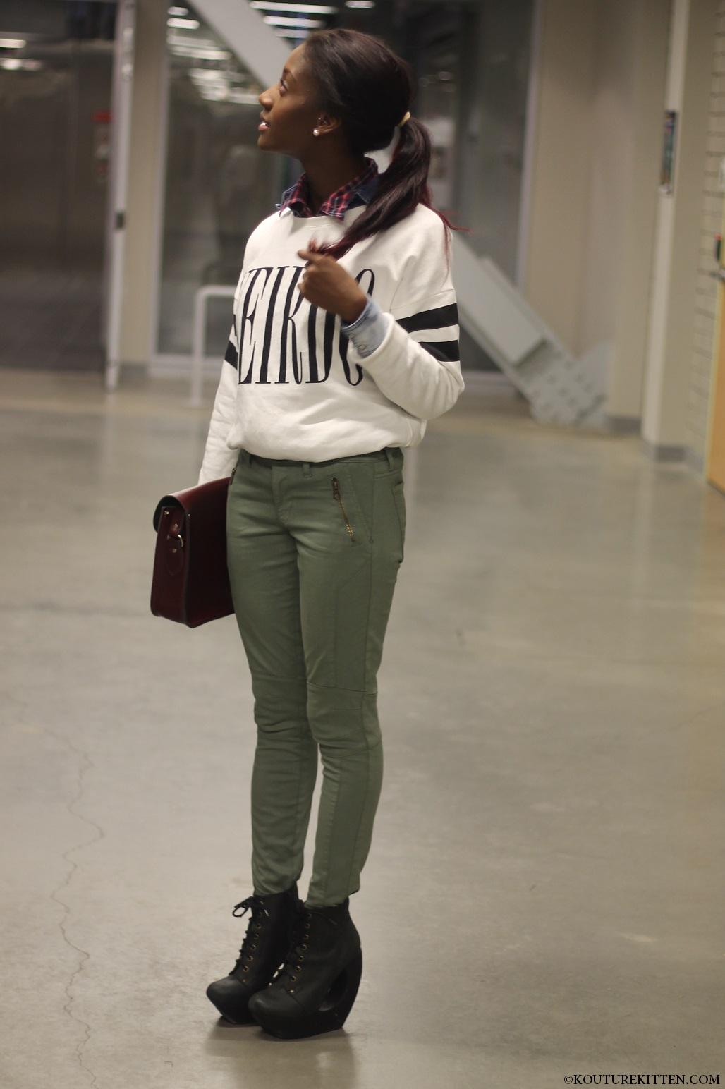 Wierdo sweater 1